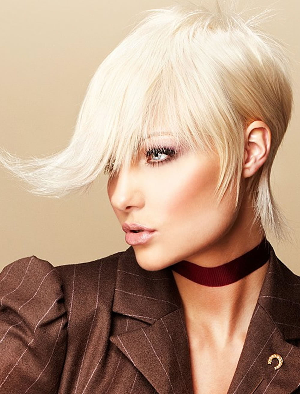 24 Great Asymmetrical Bob Hairstyles And Haircuts Amp Hair