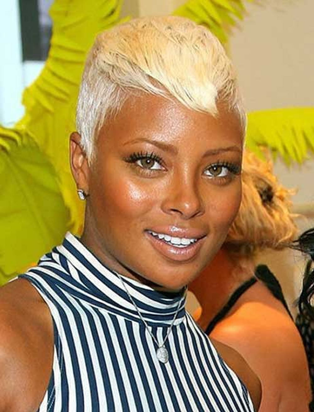 Layered pixie short hairstyle for black women with diamond ...