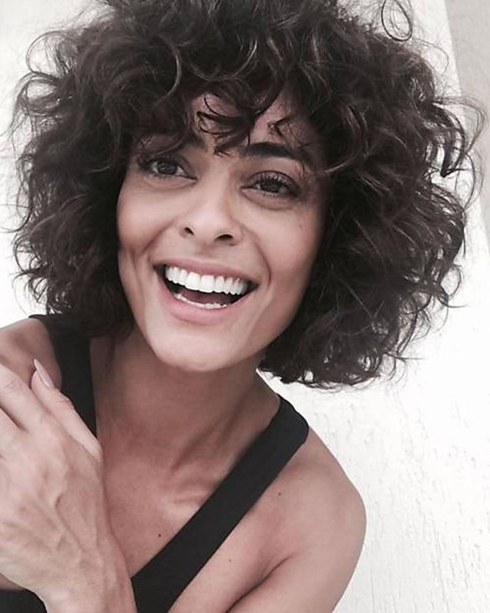 Short Curly Haircuts For Women 2019 57