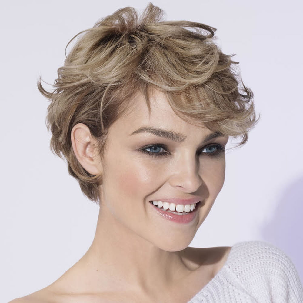 50 Trendy Pixie Haircuts + Short Hair Ideas for 2020-2021 - Page 4 of 14