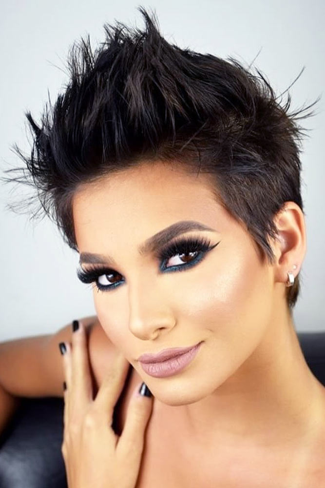 Short-haircuts-for-women-in-2020-2021-4 - Hair Colors