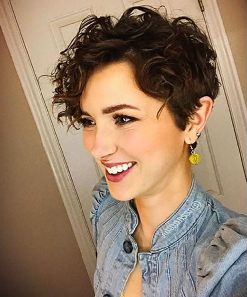 Famous Ideas 33+ Pixie Haircut For Curly Hair 2021