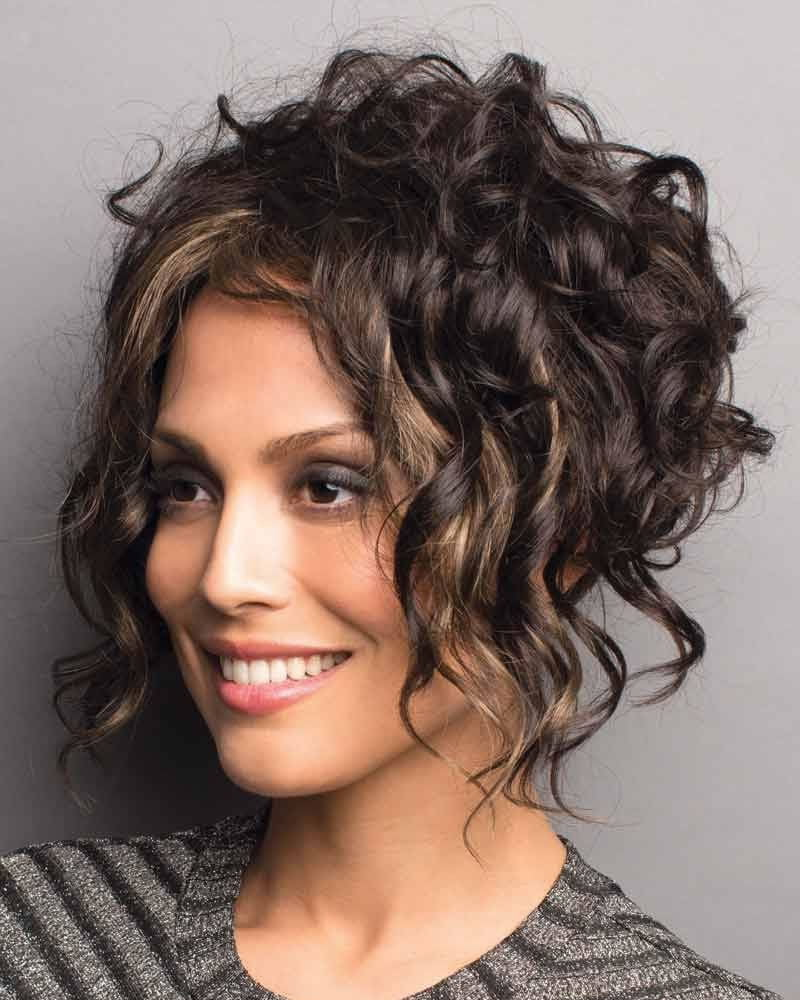 20 Elegant Natural Curly Hairstyles for Women in 2020 - Page 2 of 6