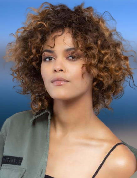 Medium Length Curly Hairstyles for Women 2021