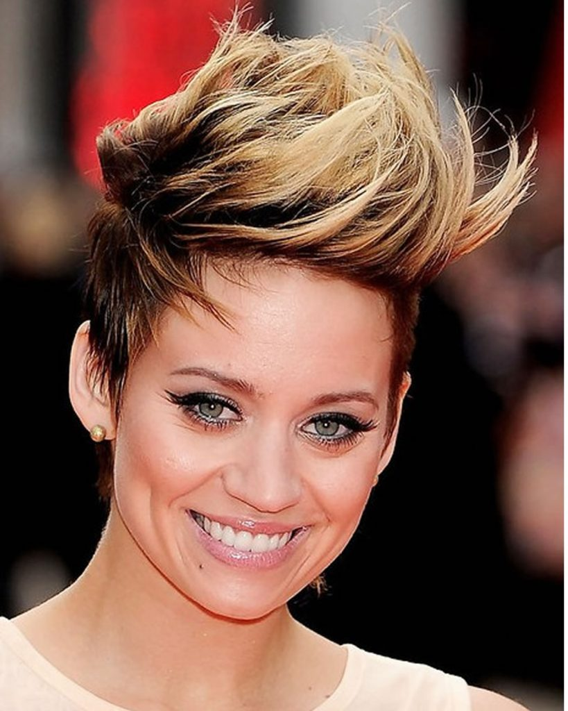 Pixie Hairstyles and Short Haircuts for 2021-2022